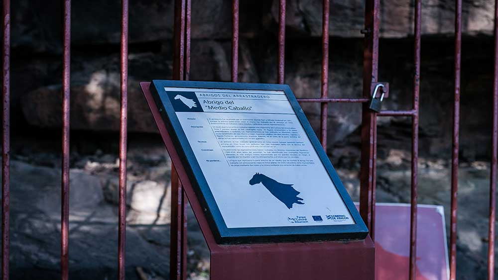 Imagen del Abrigo Medio Caballo en Albarracin