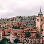 Fotografía del castillo y la Catedral de Albarracín