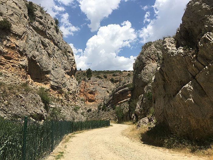 Foto del inicio del sendero del barranco de la hoz