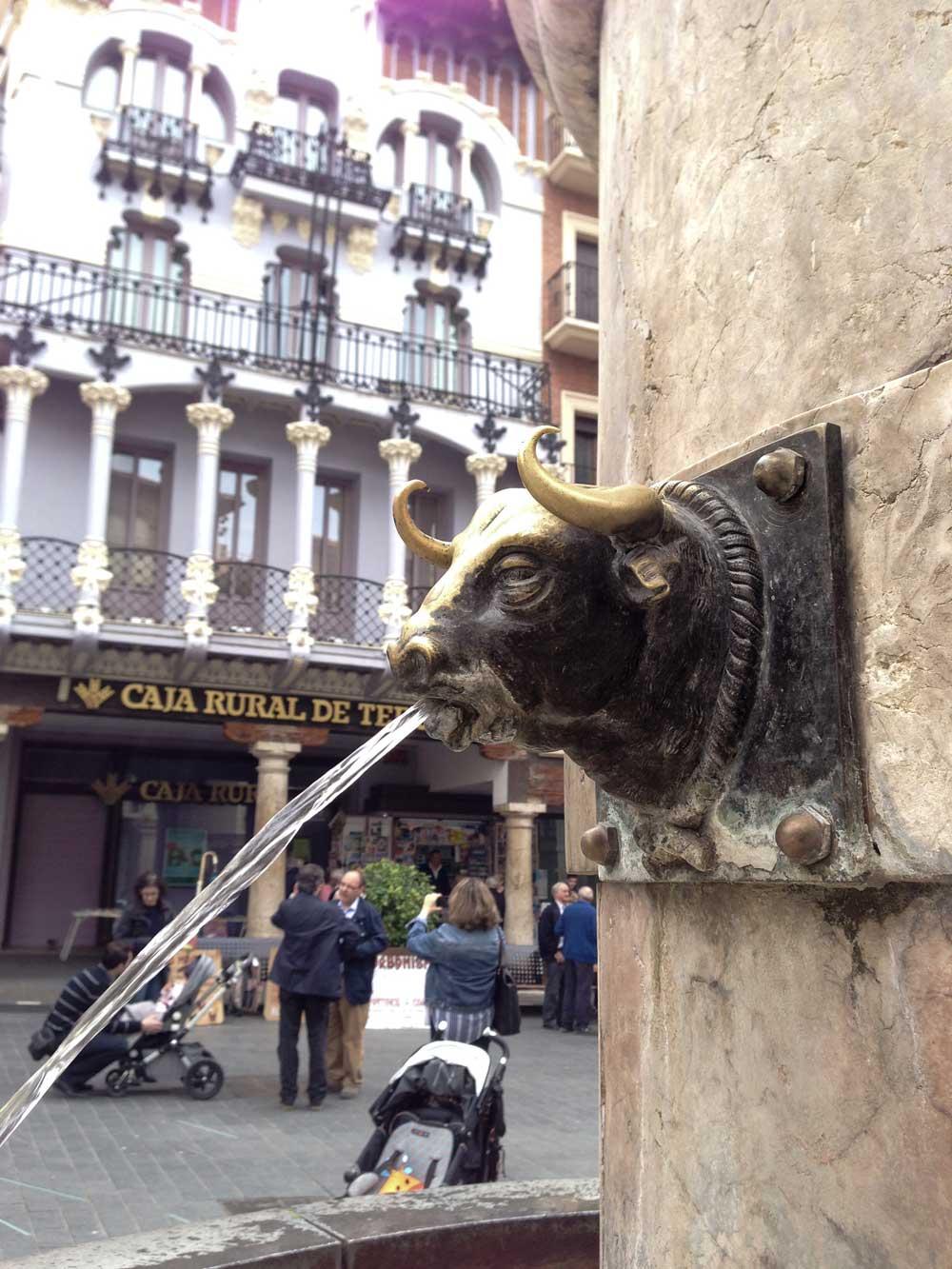 Fuente de la Plaza del Torico en Teruel