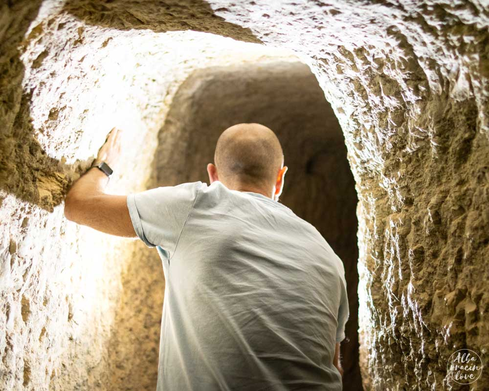 Fotografía del interior del Acueducto de Gea de Albarracín