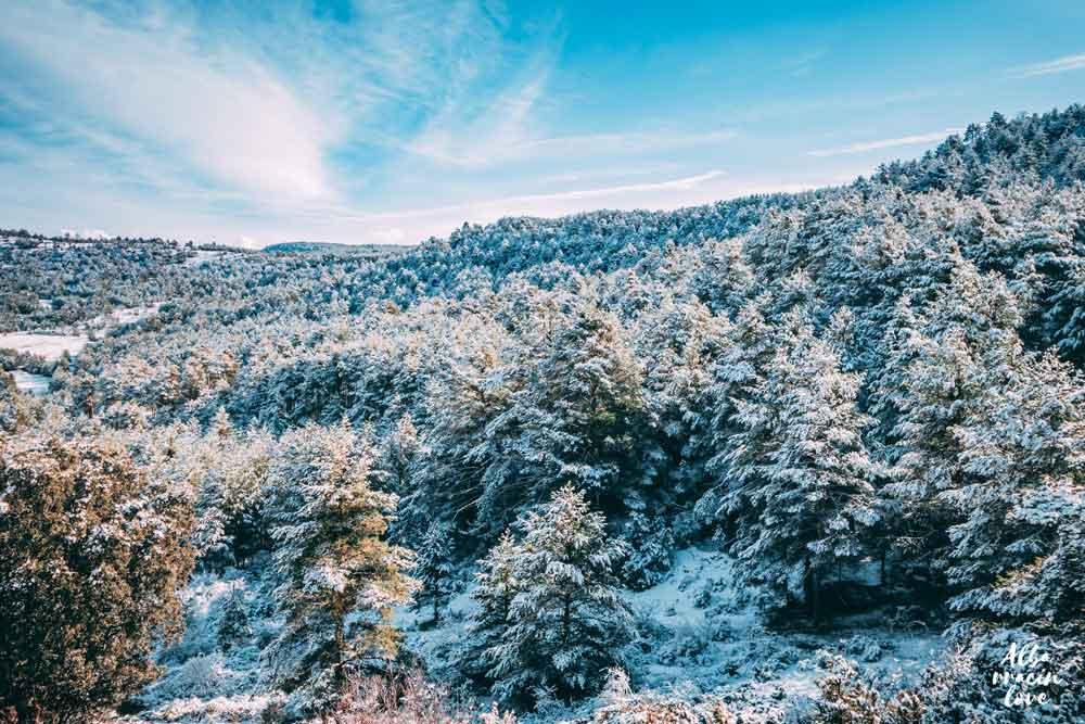Fotografía de una Montaña nevadas