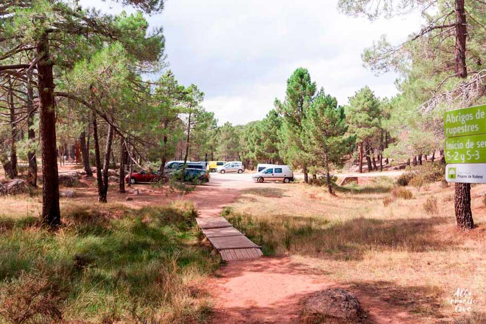 Fotografia del área de aparcamiento