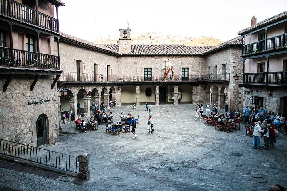 Imagen de la Plaza Mayor de Albarracin